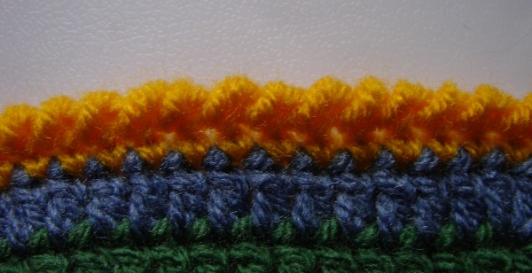 A row of crab stitches