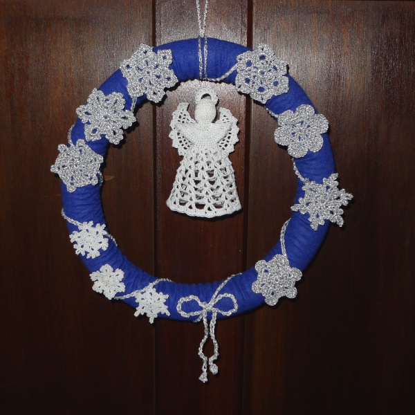 snowflake wreath