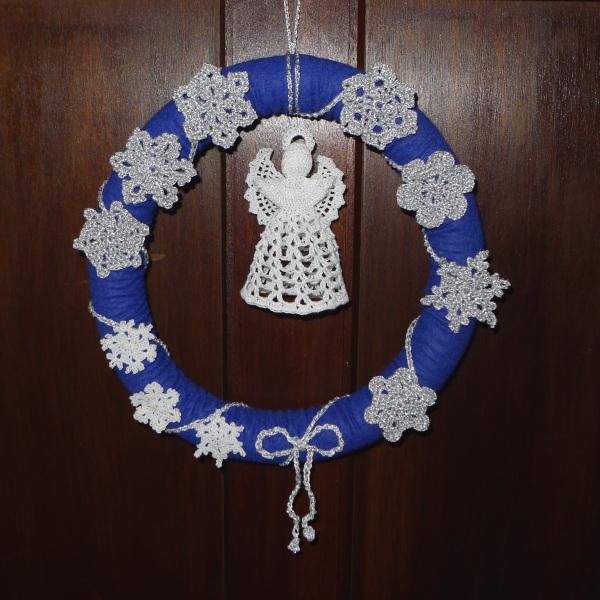 Snowflake wreath on door