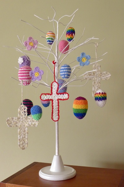 01217-easter-tree