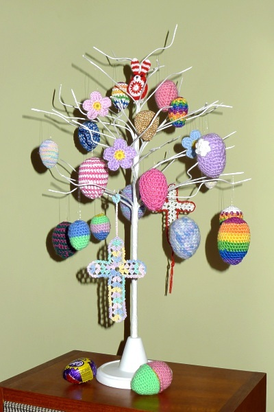 0131-eastertreewith_rabbit