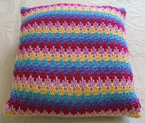 0189-thornberrylarkspurcushion