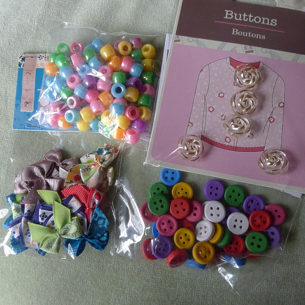 0240-beadsbuttonsbows