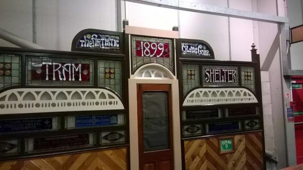 243-tramshelter