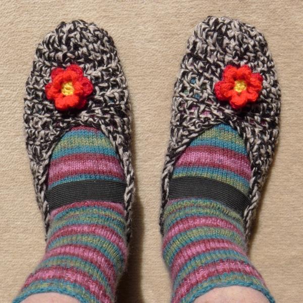 0254-slippersworn