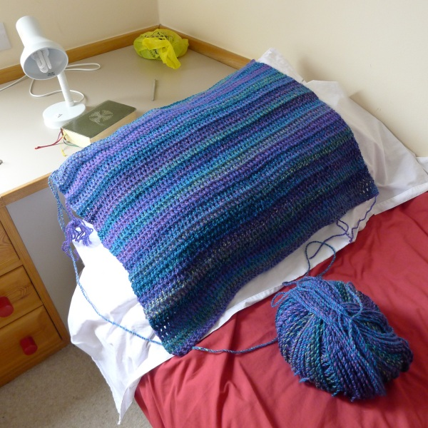 0247-crochetonbed