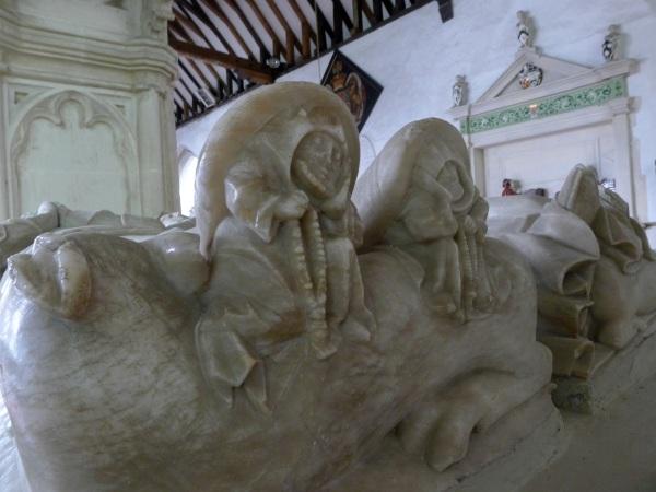Soles of effigy