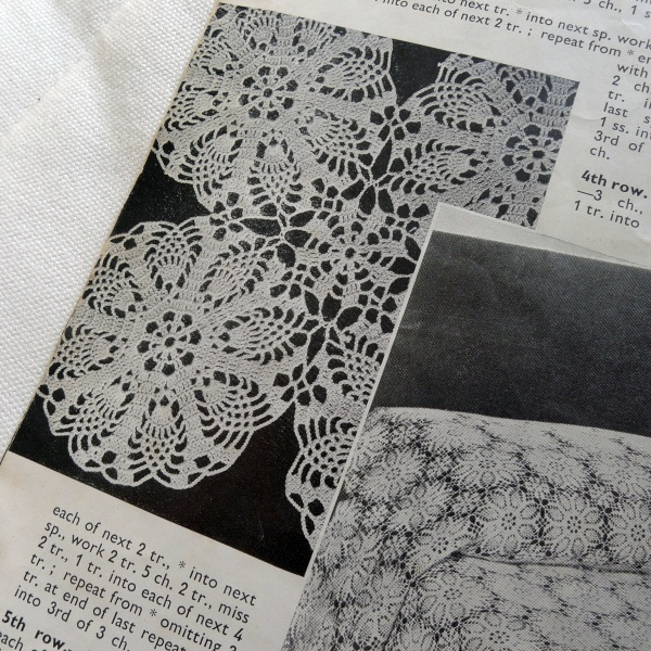 """Modern crochet""-bedcover pattern"