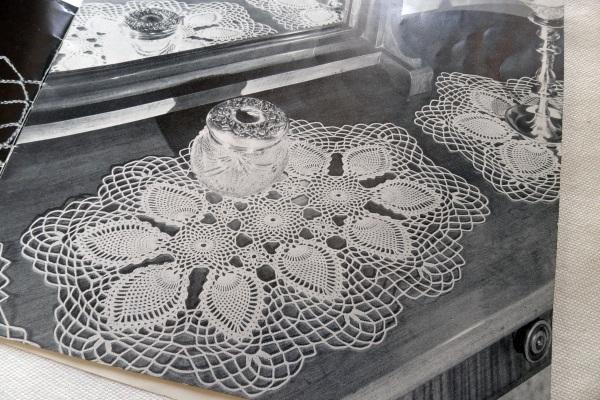 Dressing table mats