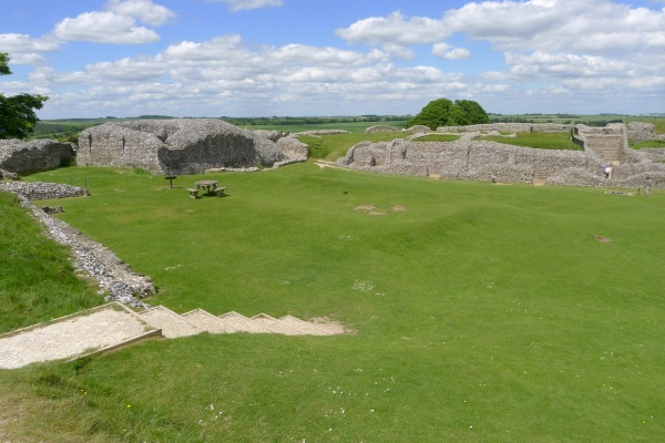 Long view of Old Sarum ruins