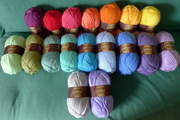 Yarn for blanket and edging