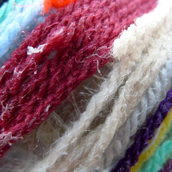 Gaps in yarn