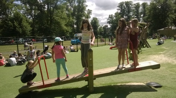 Balancing seesaw