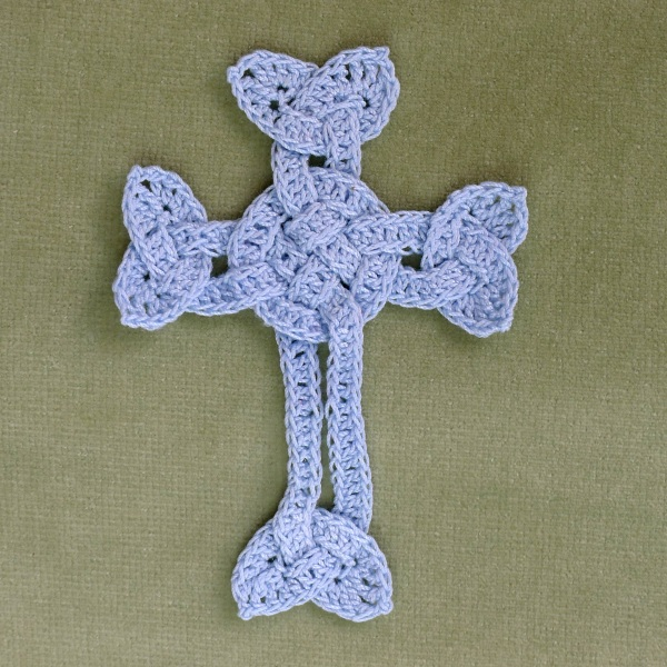 Crochet celtic cross