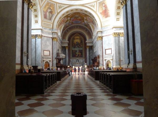 Basilica nave
