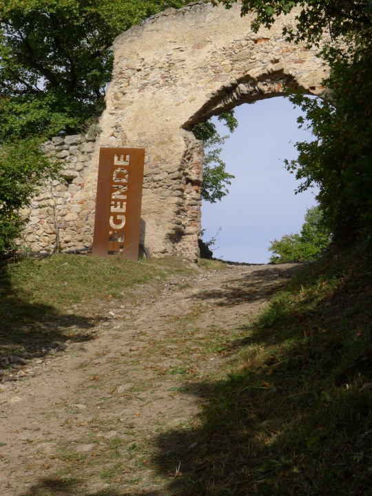 Another arch at Durnstein