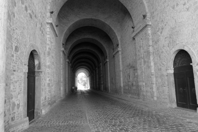 Rainbow Junkie - (2-39) passageway