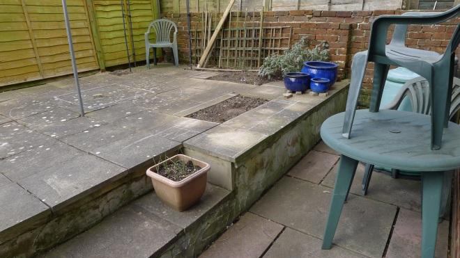 0468-Right side of garden