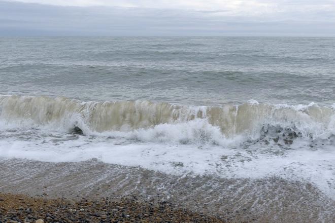 0515-006-breaking-wave