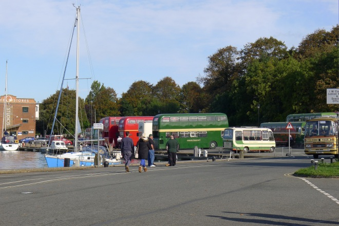 0520-buses-at-newport