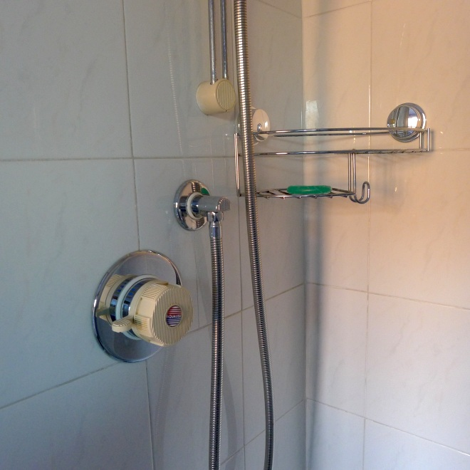 0537-shower-shelf
