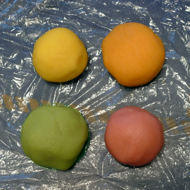 0539-four-colours-of-marzipan