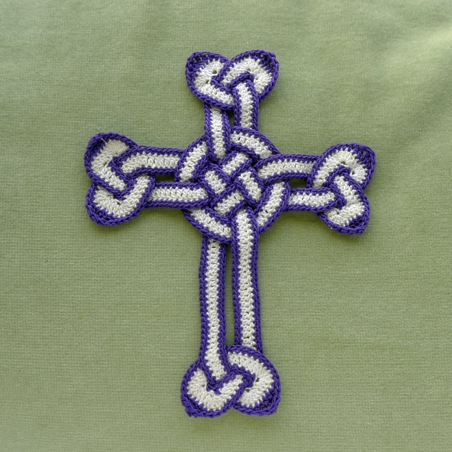 Celtic cross with edging