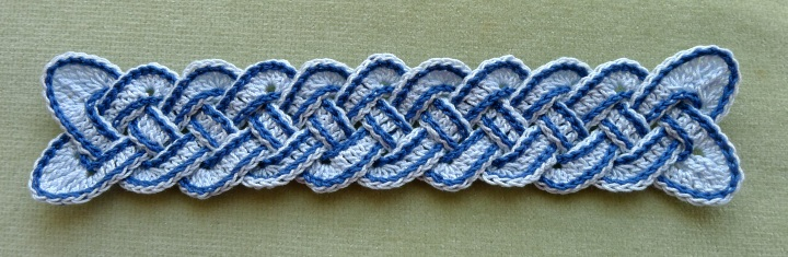 Bookmark with slip stitches and pointed ends