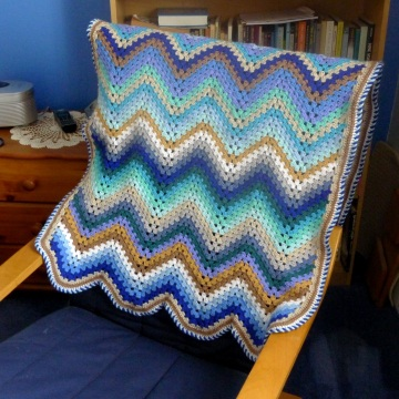 smooth granny ripple blanket on chair