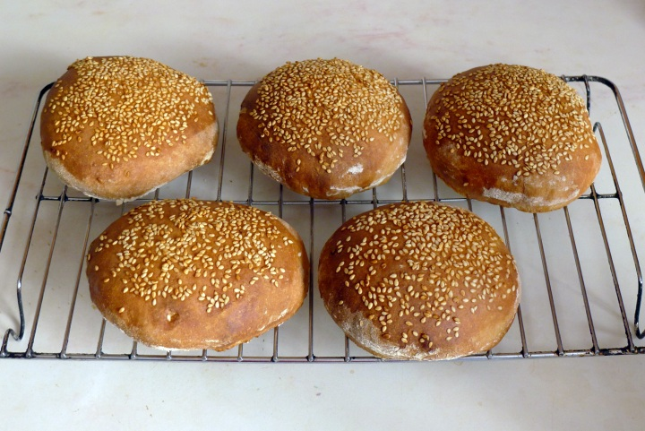 burger rolls cooked