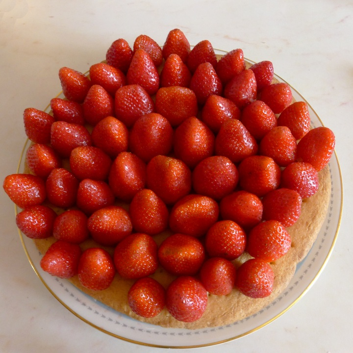 strawberries on shortbread