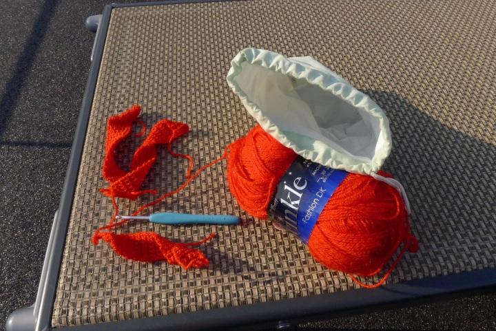 red twinkle yarn